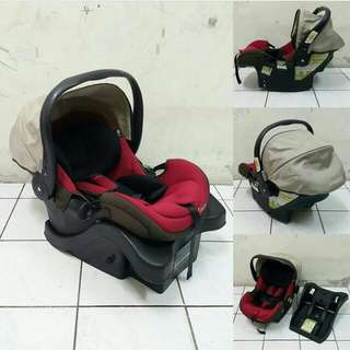 Carseat carrier with base
