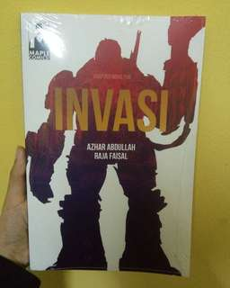 Books| Novel Grafik INVASI (Adaptasi Novel Fixi)