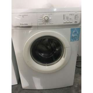 Electrolux 7kg Washing Machine Mesin Basuh Front Load Recond