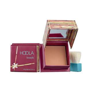 New HOOLA matte bronzer from Benefit Cosmetics