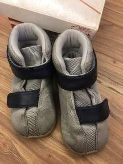 🚚 二手貝親童鞋