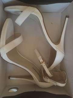 White heels windsor smith size 9