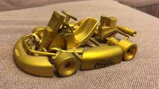 可樂金色跑車