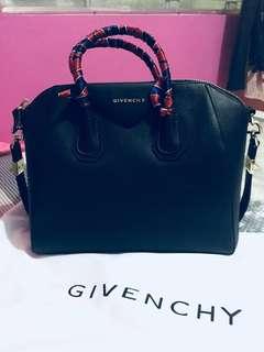 Preloved Givenchy Antigona Large