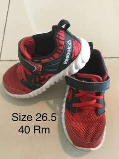 Reebok unisex kid shoe