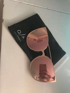 Authentic quay glasses
