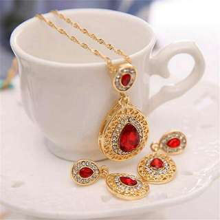 Necklace And Earrings Fashion Jewelry