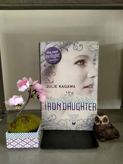 Iron Daugther by Julie Kagawa