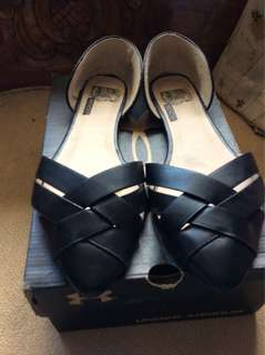 Ladies comfie soft leather flats