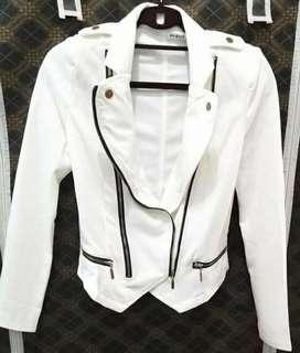 Keira white blazer