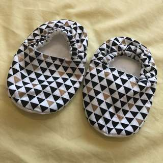 Baby booties 6-12 months