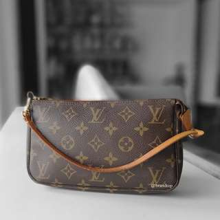 Authentic Louis Vuitton Monogram Pochette Accessories LV