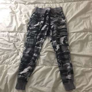CHAMPS CAMO SWEATS
