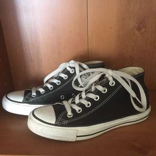 Mid Top Black Converse