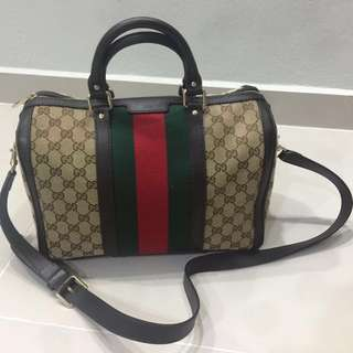 Gucci boston bag (100% authentic)