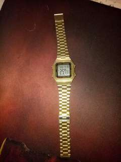 Vintage casio gold watch authentic💯