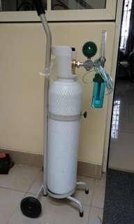 Tabung oksigen 1m3 lengkap dengan trolley & regulator