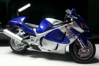 Suzuki GSX1300R (1:18)
