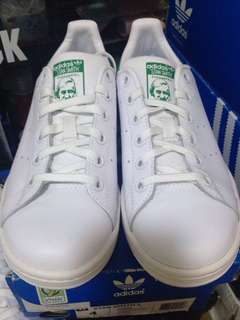 addidas stan smith size womens US4