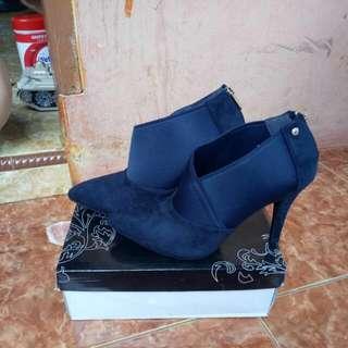 Sepatu Boots Merk Marie Claire