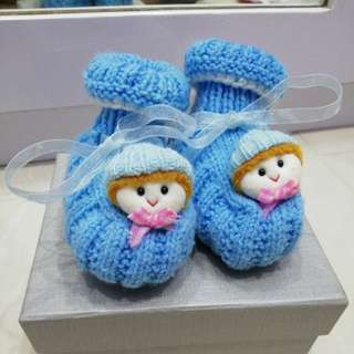 Baby knittes shoes