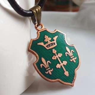 ✨ 皇家之紋章 🌾 中世紀騎士徽章 皇冠與銅質吊墜 送真皮繩 ✨