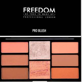 [READYSTOCK & FREE POSTAGE] Freedom Peach Pro Blush & Highlighter