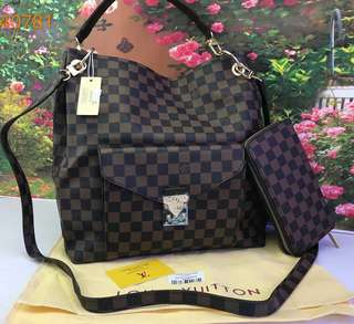 LV Bag Label