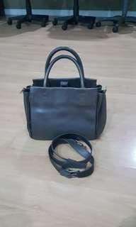 Rabeanco Gray bag with strap