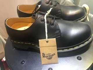 Dr.Martens 馬丁三孔 女鞋 US4