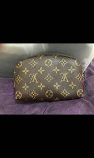 Lv cosmetic bag 100%real