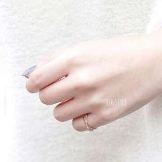 交叉碎鋯石鑽戒指