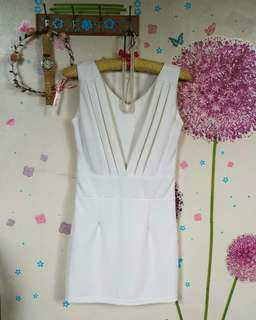 🆕 White formal V bodycon dress