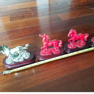 Metal horse decoration (set of 4)