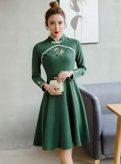 Cheongsam: Green Retro Floral Embroidered Frog Buttons A-Line Dress (S / M / L / XL) - OA/KKE011104
