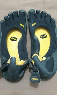 Vibram 5 fingers shoes