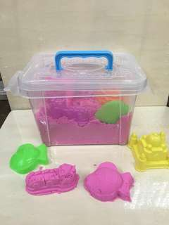 Kinetic Sand with Moulders