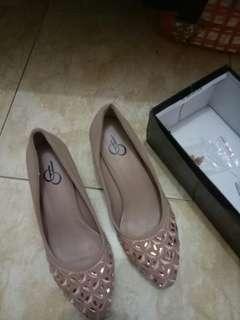 Sepatu cantik peach