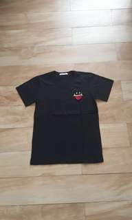 Kaos hitam simple cute
