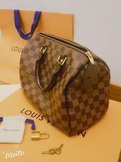 Louis Vuitton authentic speedy 25 damier ebene