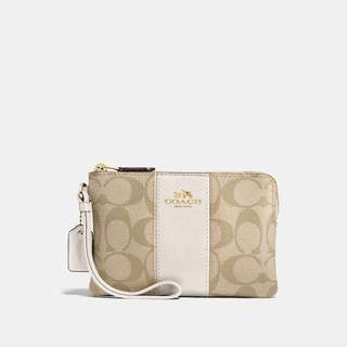 ✨Brand New✨ Coach Corner Zip Wristlet - Light Khaki/ Chalk White/ Light Gold