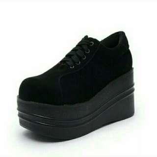 黑色厚底鬆糕鞋