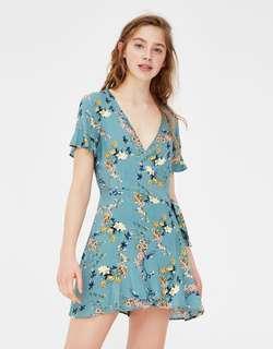 BNWT Pull&Bear short sleeve wrap dress