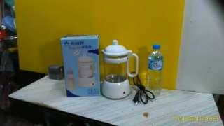 《全新品》台灣製 萬國牌 Baby-3S 保溫壺 / 調乳器 / 溫奶器  700ml  煮沸後自動保溫50度 可隨時沖泡 方便省時 ~~