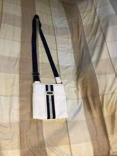 Preloved Original Sling bag Tommy Hilfiger