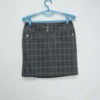 【專櫃品牌】全新JIN格子紋短裙