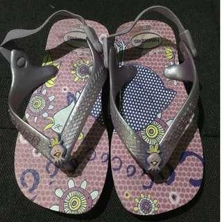 havaianas purple slippers