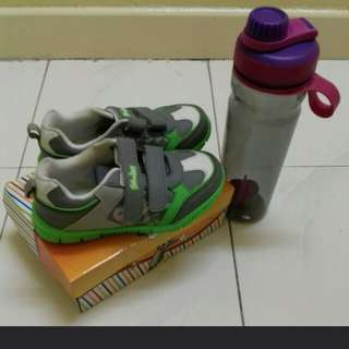 Shoe + bottle set