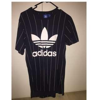 Adidas Tshirt XS