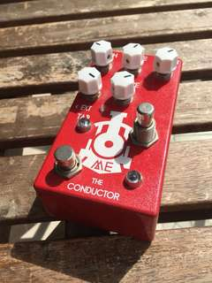 Matthews effects conductor V1 (tremolo)